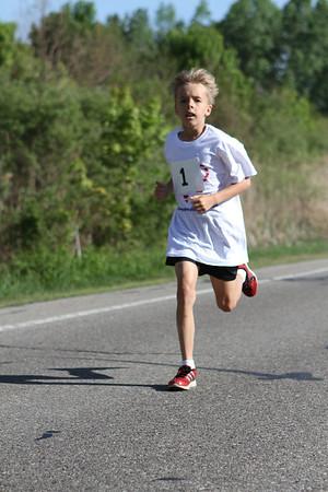 Family Mile - 2014 Novi Memorial Day Run