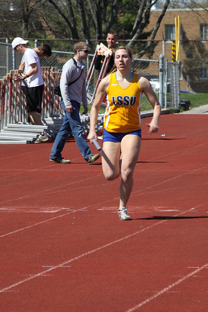 Men's and Women's 4x400 Relay - 2012 Ferris State Invitational