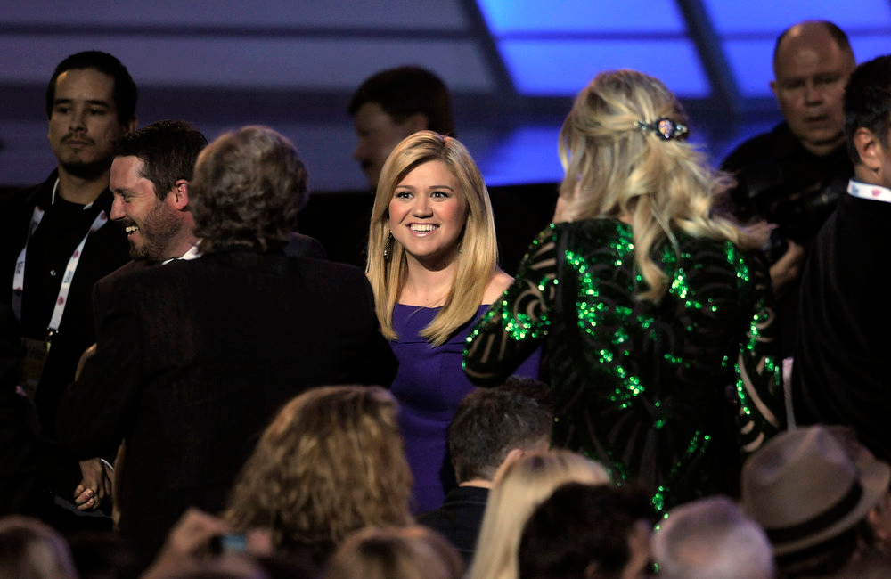 . Singer Kelly Clarkson appears in the audience at the 48th Annual Academy of Country Music Awards at the MGM Grand Garden Arena in Las Vegas on Sunday, April 7, 2013. (Photo by Chris Pizzello/Invision/AP)