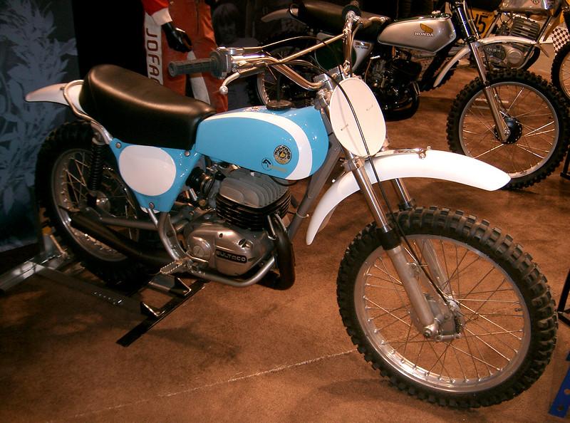 cool show bikes 008.jpg