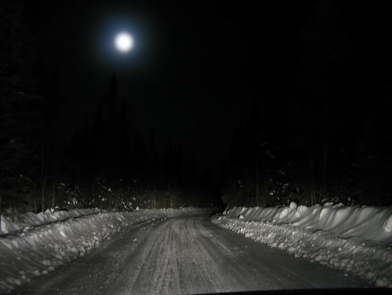 IMG_2713_fort_hope_winter_road_resize.JPG