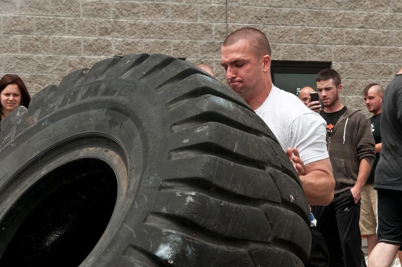 Fitness Revolution Strongman Challenge 2011_ERF4223.jpg