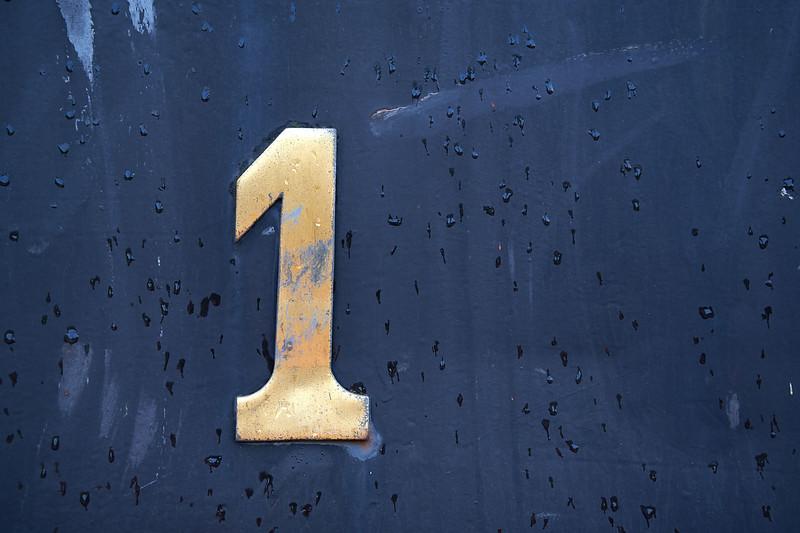 1 - eins