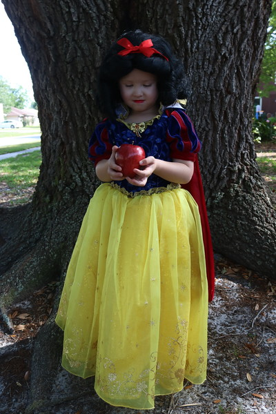 Angelia Gomez-Snow White Victoria