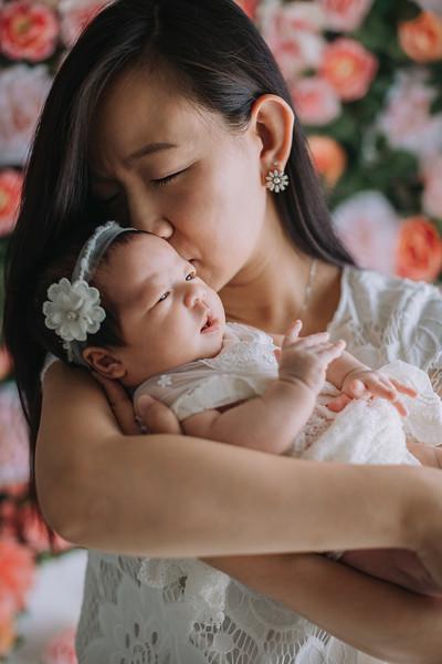 Newborn Ivory Tulle Flower Head tie