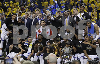 solid-gold-warriors-win-title