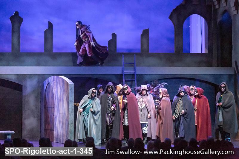 SPO-Rigoletto-act-1-345.jpg