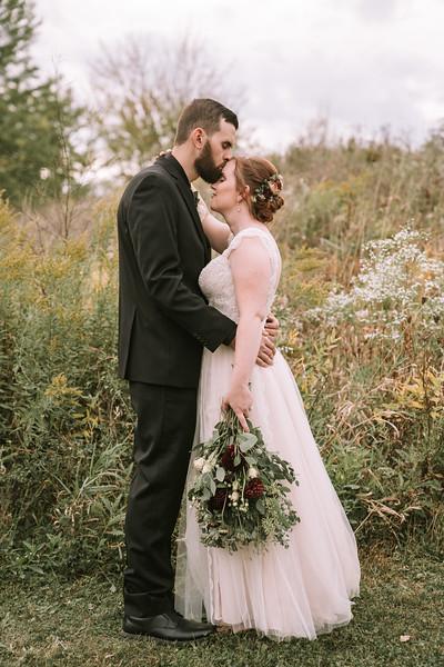 rustic_ohio__fall_barn_wedding-309.jpg