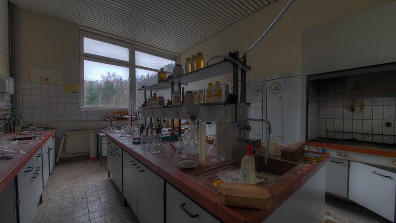 Urbex - Laboratoire Corrosif