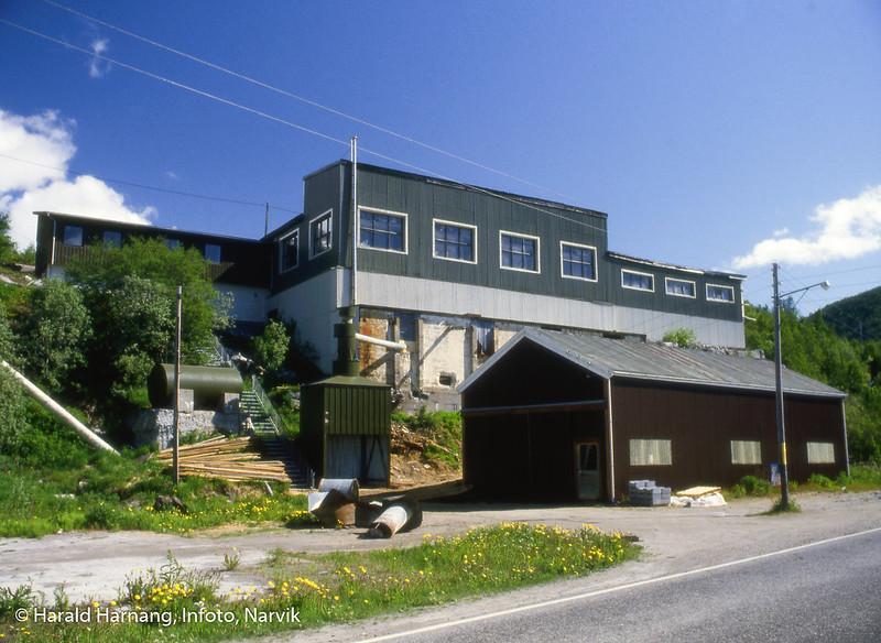 Bogen i Ofoten, snekkerfabrikk. Bilder tatt i forbindelse med messe-deltakelse, trolig Nord-Norge-Messa i Tromsø.