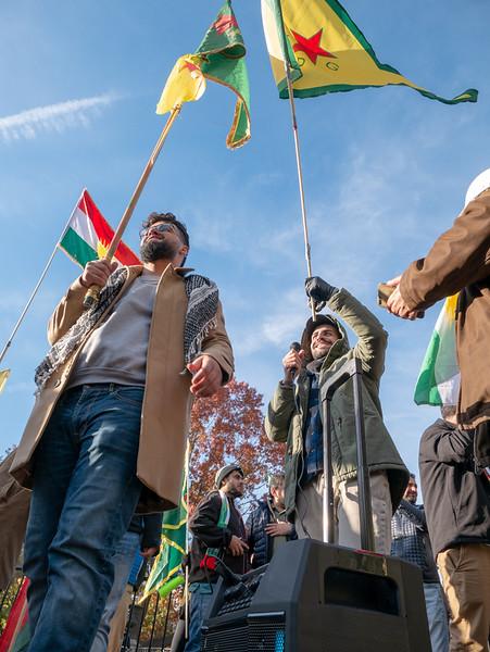 kurdishyouthraiseflag.jpg