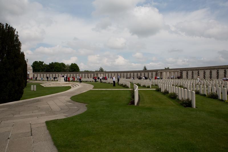 Ypres Tyne Cot Cemetery (47 of 123).jpg