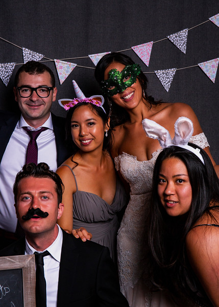 Montreal_Wedding_Photographer_Lindsay_Muciy_Photography+Video_M&E_PHOTOBOOTH_204.jpg