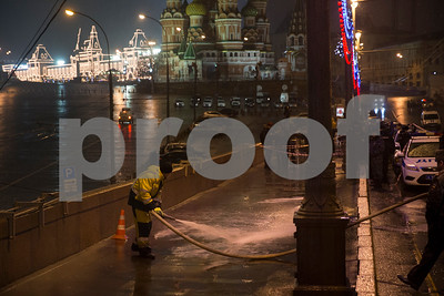 prominent-putin-critic-boris-nemtsov-shot-dead-near-kremlin