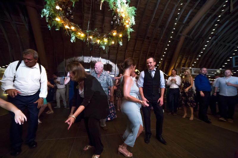 Garrett & Lisa Wedding (833).jpg