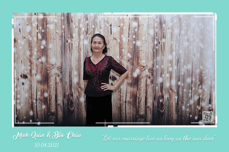 QC-wedding-instant-print-photobooth-Chup-hinh-lay-lien-in-anh-lay-ngay-Tiec-cuoi-WefieBox-Photobooth-Vietnam-cho-thue-photo-booth-052.jpg