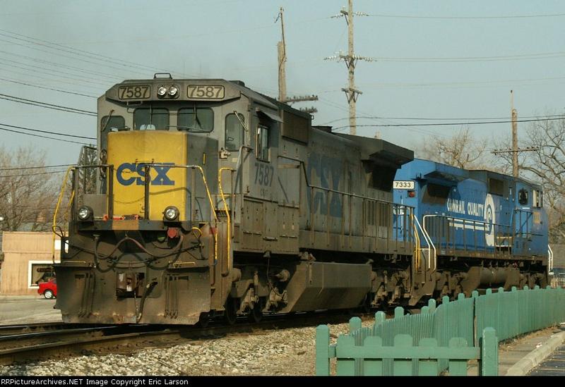 CSX7587-C40-8_Plymouth-MI_03-30-2006a.JPG