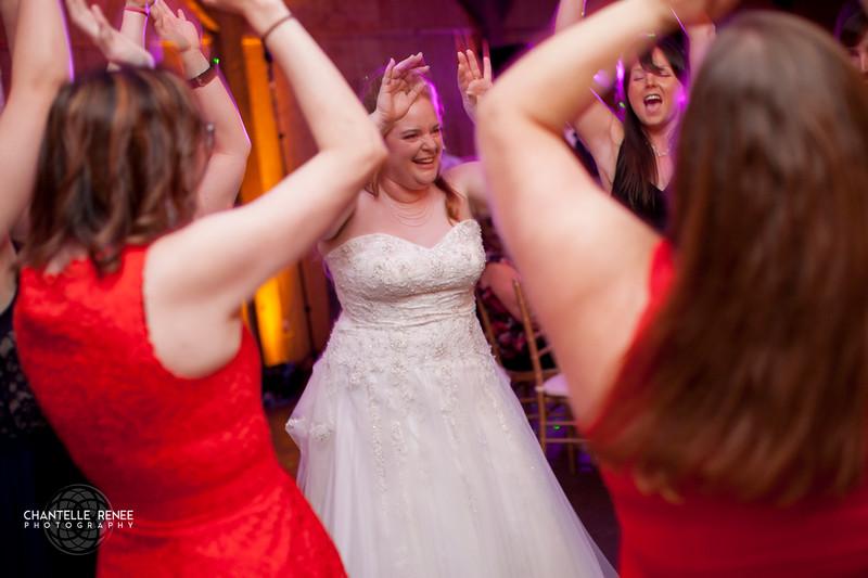 CRPhoto-White-Wedding-Social-587.jpg