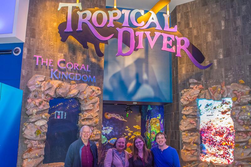 GA Aquarium with Linc, Ali & Abe-6.jpg