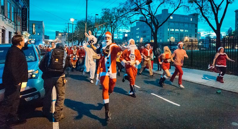 Running with Santa Philadelphia 12-12-2015-3353.jpg