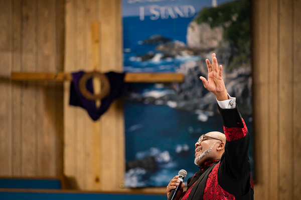Pastor Hurst's Last Sabbath at Se7day   200307