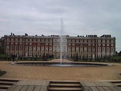 2001/05 - Hampton Court Palace