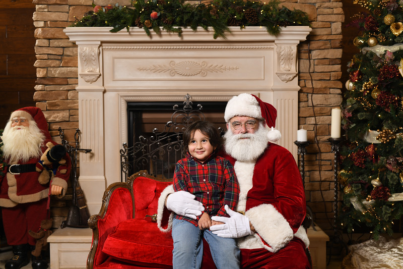 Santa2018.TylerBoye.-154.jpg