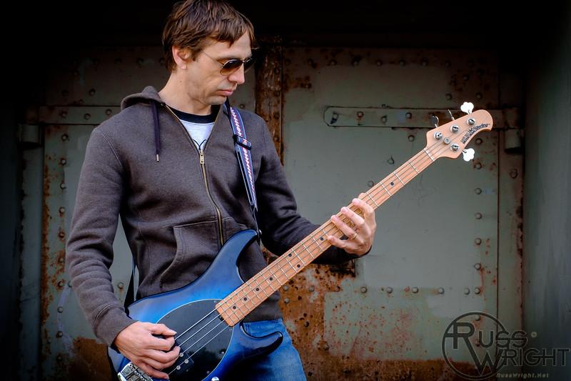 Steve Rogers Bass, Phantom Hound