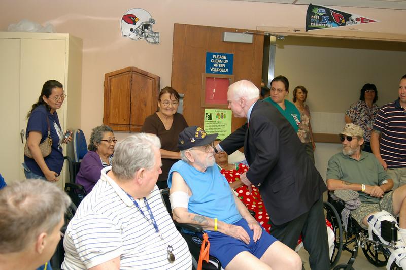 Sen McCain PVAHCS Visit 5-1-2010 5-13-30 PM.JPG