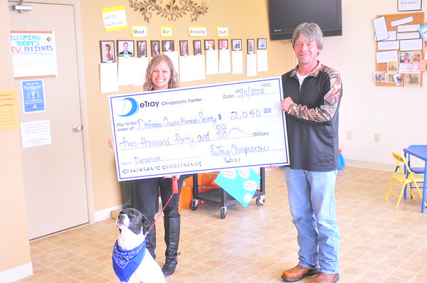 05-11-17 NEWS Detray Chiropractic donation to Humane Society