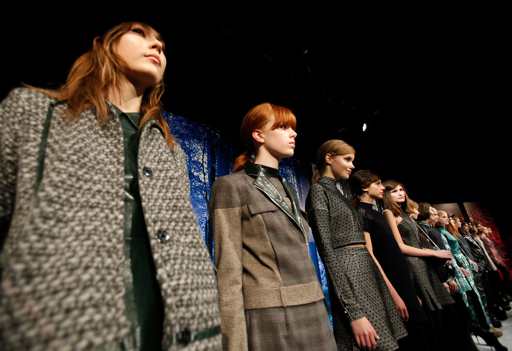. Models present creations during the Charlotte Ronson Fall 2013 presentation at New York Fashion Week in New York, February 8, 2013.  REUTERS/Carlo Allegri
