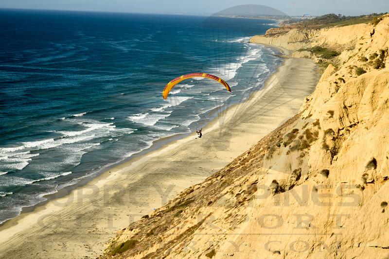 Tandem Paragliding Flights - Torrey Pines Gliderport