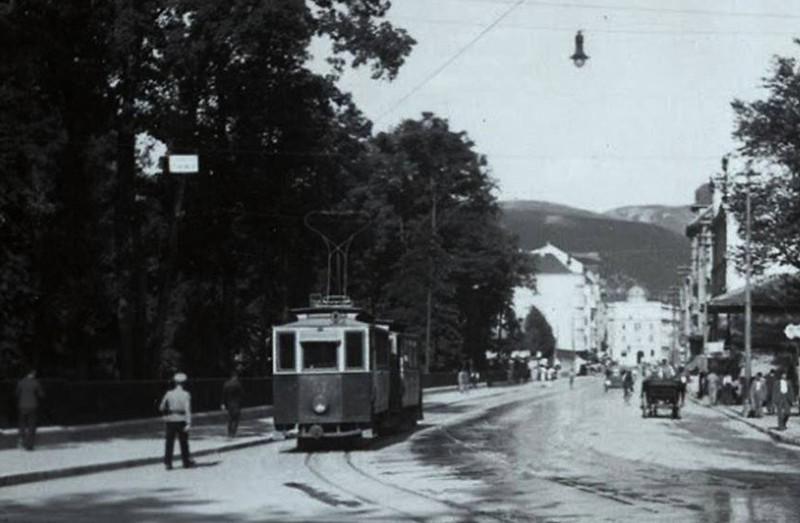 Sarajevski tramvaj3.JPG