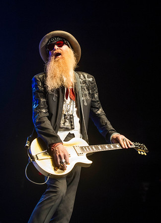 ZZ Top lead vocalist Billy Gibbons performs with the band at MTS Centre Tuesday March 29, 2016 as part of the Hell Raisers Tour. David Lipnowski / For Metro