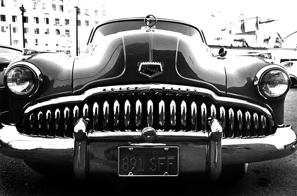 Broadway Street - Los Angeles, California   / Scanned from B&W print