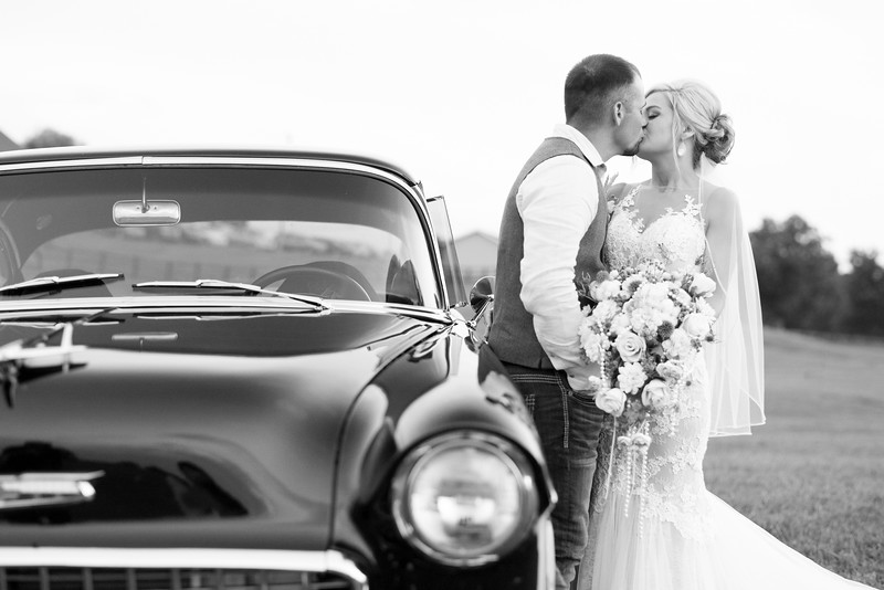 vintage-car-wedding.jpg