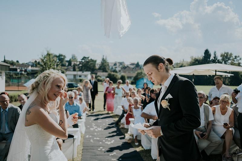 Tu-Nguyen-Wedding-Hochzeitsfotograf-Hochzeitsreportage-Neuwied-Bonn-Koblenz-Jan-Jessica-60.jpg