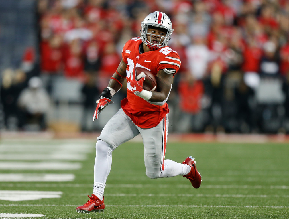 . Ohio State running back Mike Weber cuts up the sideline to score a touchdown against Illinois during the first half of an NCAA college football game Saturday, Nov. 18, 2017, in Columbus, Ohio. (AP Photo/Jay LaPrete)