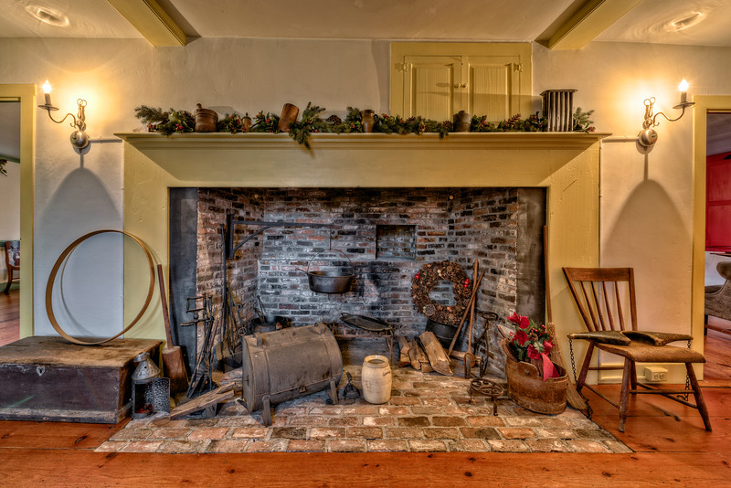 Kitchen Fireplace 2a.jpg