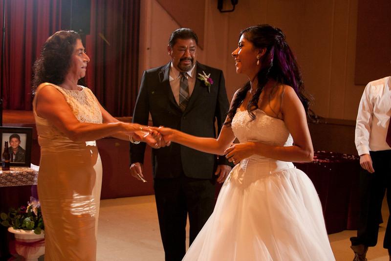 2011-11-11-Servante-Wedding-493.JPG