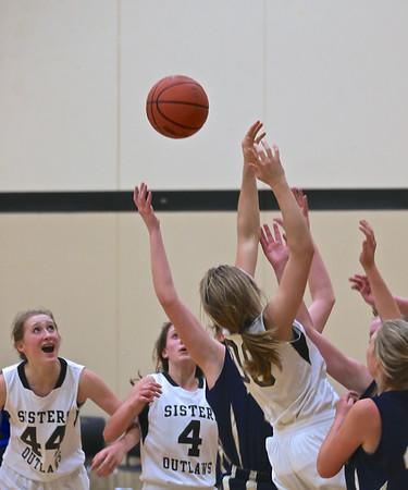 Outlaw JV Girls Basketball vs Bend 1-29-15