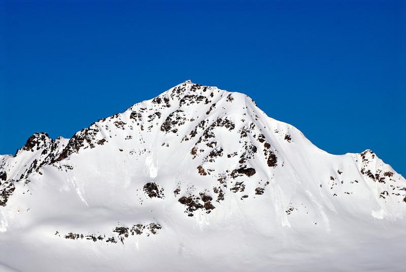 080502 1753 Russia - Mount Elbruce - Day 2 Trip to 15000 feet _E _I ~E ~L.JPG