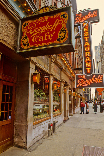 The Berghoff Cafe