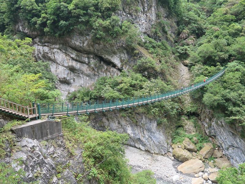 IMG_8922-suspension-bridge-to-old-zhuilu-rd.JPG