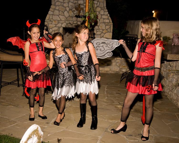 Halloween at Mels - 057.jpg
