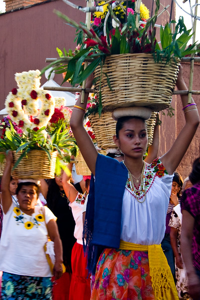 parade-procession_4583938691_o.jpg