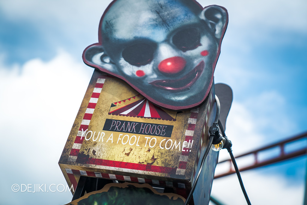 Halloween Horror Nights 7 Before Dark 1 / Happy Horror Days scare zone Circus Freakshow area You're a Fool