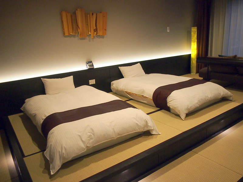 P9297787-oirase-keiryu-hotel-room.JPG