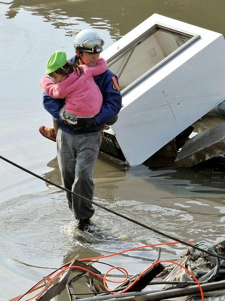 JapanEarthquake2011-308.jpg
