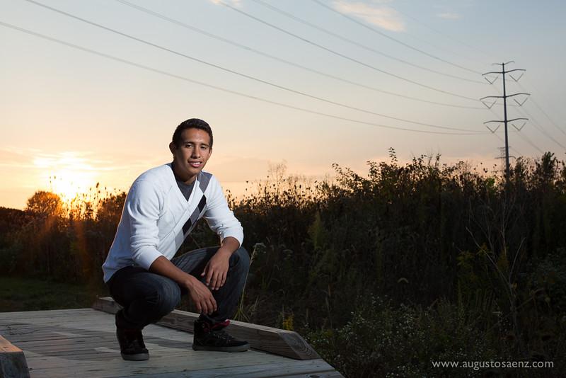 SANTIAGO SENIOR PICTURES-8.jpg